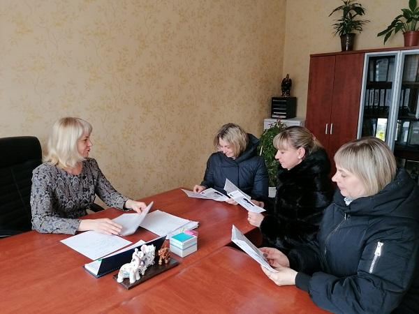Партийцы Топкинского округа провели тематические приемы граждан